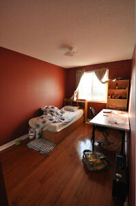 4 MONTHS LEASES accommodated -May 01-August 31, 2017 Student Cambridge Kitchener Area image 7