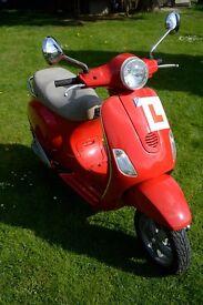 Piaggio Vespa LX 125 Scooter