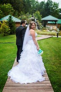 robe marier et accessoire qui va avec  a vendre taille 16