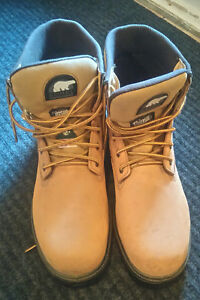 New Men's work boot, sorel thinsulate size 12