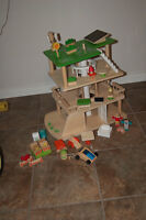 EverEarth - 3 Level Rotating Sustainable House & Plan Toys