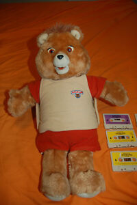 Teddy Ruxpin 1985 World of Wonder Working with 6 tapes