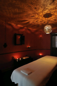 £30 magic hands massage with Male therapist in call&out call