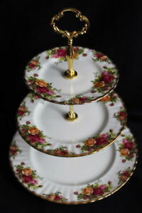 OLD COUNTRY ROSES - ROYAL ALBERT TIERED CAKE STAND