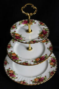 ROYAL ALBERT 3 TIER CAKE STAND - OLD COUNTRY ROSES