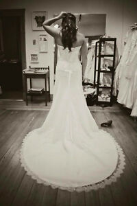 MUST GO! Beautiful Maggie Sottero Gown Size 8 (paid $1200+)