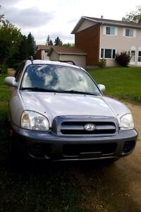 Hyundai Santa Fe in great condition!!