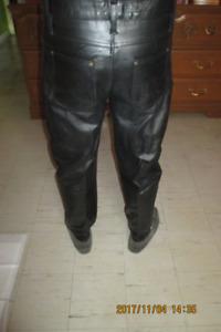 pentalon cuir