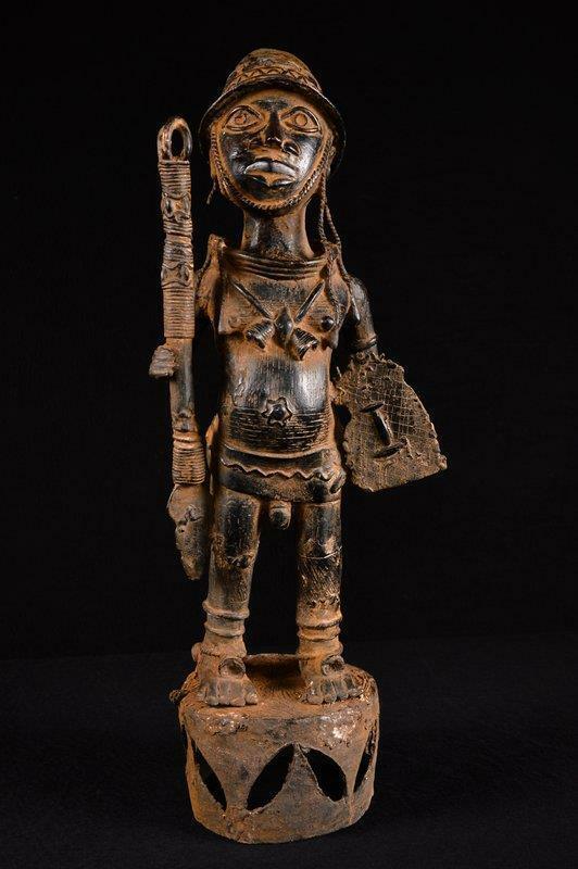 5466 Bronze: Benin King Wurdentrager Benin / Nigeria Africa/Africa