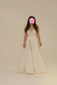 Wedding dress Franca D'Onofrio, fits sizes 10-12