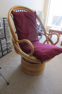 Swivel/Rocker Rattan Chair