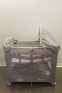 Graco Travel Lite Bassinet with Stages ** $100 **