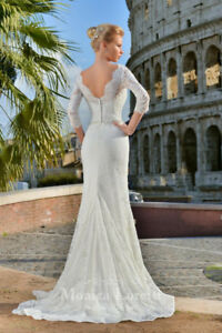 Stunning Monica Loretti Wedding Dress (Size 12, Best For Bride)
