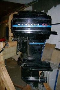 2 moteurs Mercury 40hp pour pièces