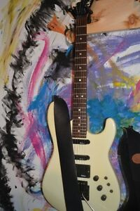 Charvel mod4 Jackson, great guitar for heavy metal.....1986