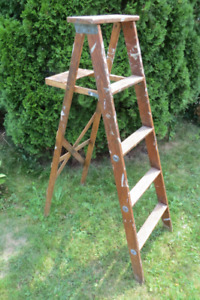 Vintage Five Foot Wooden Stepladder For Sale