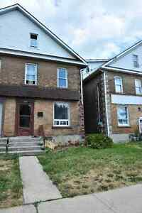 6BDRM 2BTRM GREAT INVESTMENT OPPORTUNITY!