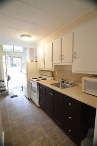 One bedroom apartment on Main floor of House- Port Hope Peterborough Peterborough Area image 4