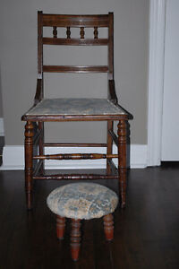 Chair and Stool / chaise et tabouret
