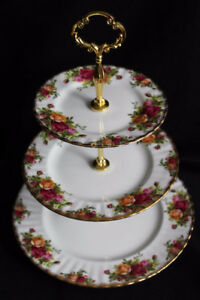 ROYAL ALBERT - OLD COUNTRY ROSES - TIERED CAKE STAND