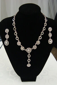 crystal/Rhinestone Necklace and Earrings Set-NEW