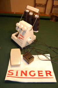 Singer Tiny Seger TS-300 plus overedging machine