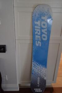 Planche à neige neuve, Elan 150$