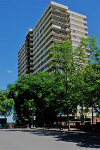 Lowest Priced 2 Bed 1000sf Downtown Condo on 104st