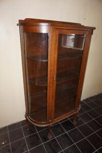 Beautiful Antique 1/4 sawn oak display cabinet