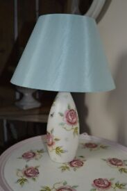 Rose and Bee pattern Lamp