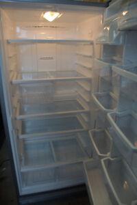 Réfrigérateur SANS congélateur inoxy Whirlpool
