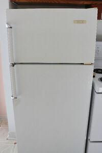 Réfrigérateur blanc