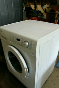 Samsung front load appartment size washer
