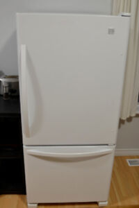 Amazing deal Kenmore Electric Range and Bottom Mount Fridge
