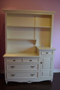 Off-White (cream) dresser with hutch - GREAT CONDITION