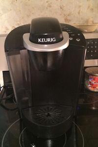 Keurig coffee machine and mugs Edmonton Edmonton Area image 1