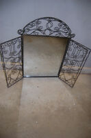 Decorative mirror with flair