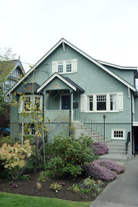 Beautiful furnished family home in Oak Bay