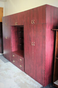 EXCELLENT CONDITION WALL UNIT