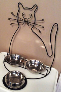 Whimsical cat feeding bowls with stand