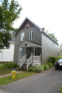 118 Russell - SANDY HILL - SUBLET - ALL INCLUSIVE - JULY & AUG