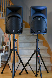 Mackie srm450v2 powered PA speakers and stands