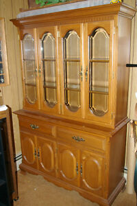 Solid maple Dinning room Table and Buffet/Hutch
