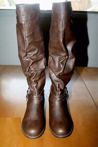 Women boots, size 8.5 / brand new