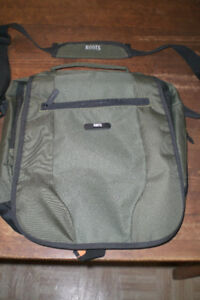 Roots Laptop bag Messenger Style - slightly used
