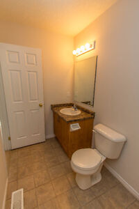 GREAT 3 BED TOWNHOME! SPACIOUS! DESIRABLE LOCATION! AVAIL DEC 1 Kitchener / Waterloo Kitchener Area image 2