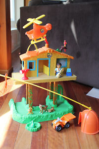 Diego Treehouse Playlet