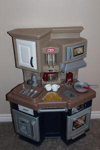 Little Tikes Super Chef Kitchen - $60 OBO Cambridge Kitchener Area image 1