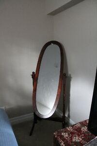 Floor stand adjustable mirror