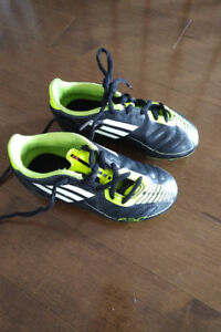 Soccer cleats - size 11 toddler